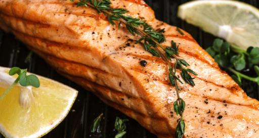 Grilled lemon pepper thyme salmon